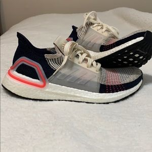 Women's adidas ultra boost 19 great condition!